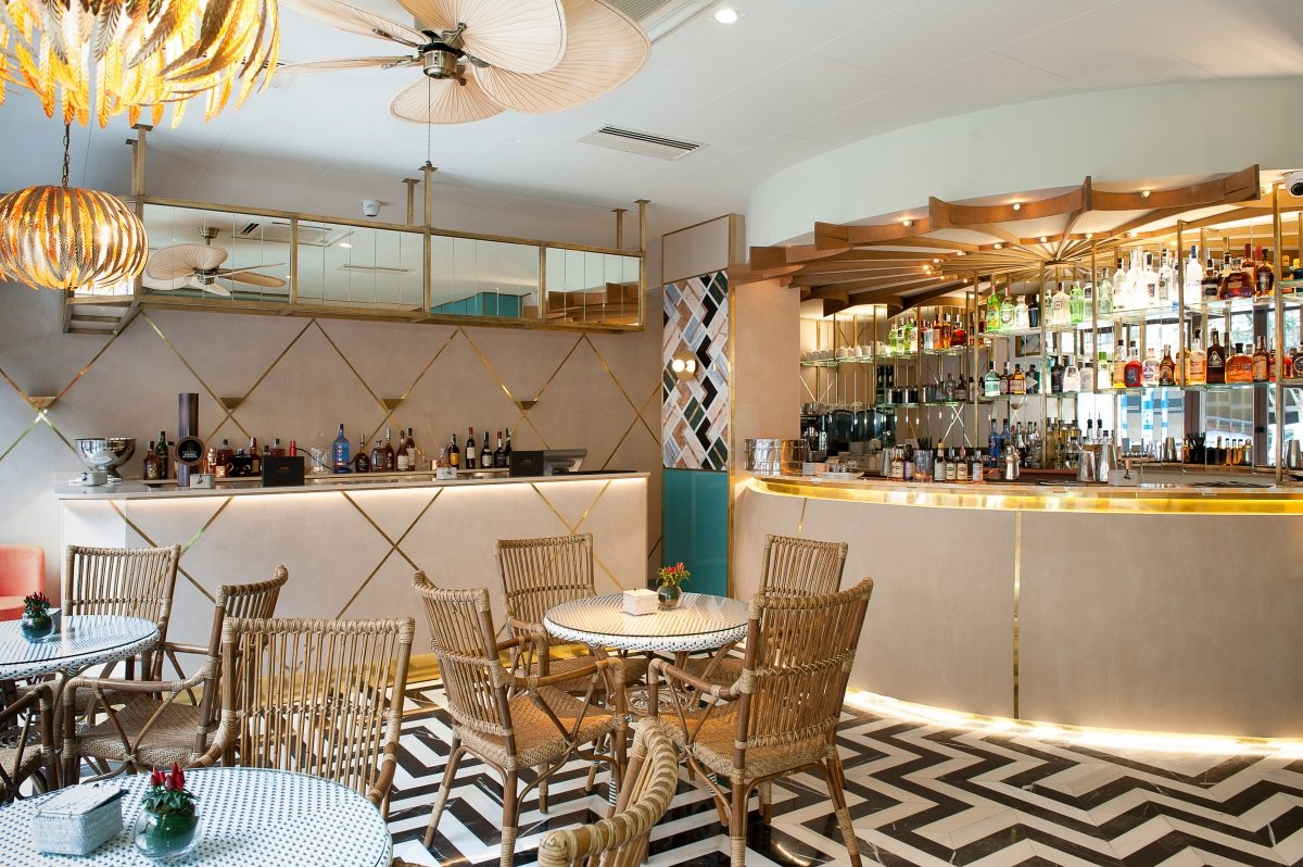 Fotografía del bar del Benares Madrid