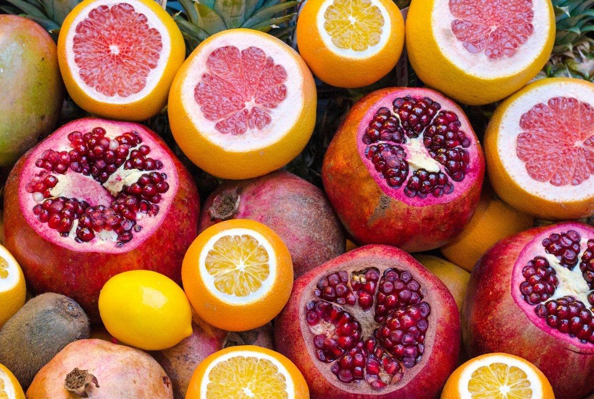 Frutas variadas a granel