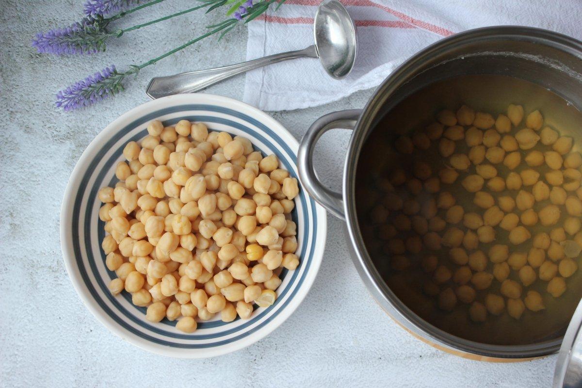 Garbanzos cocidos de forma tradicional