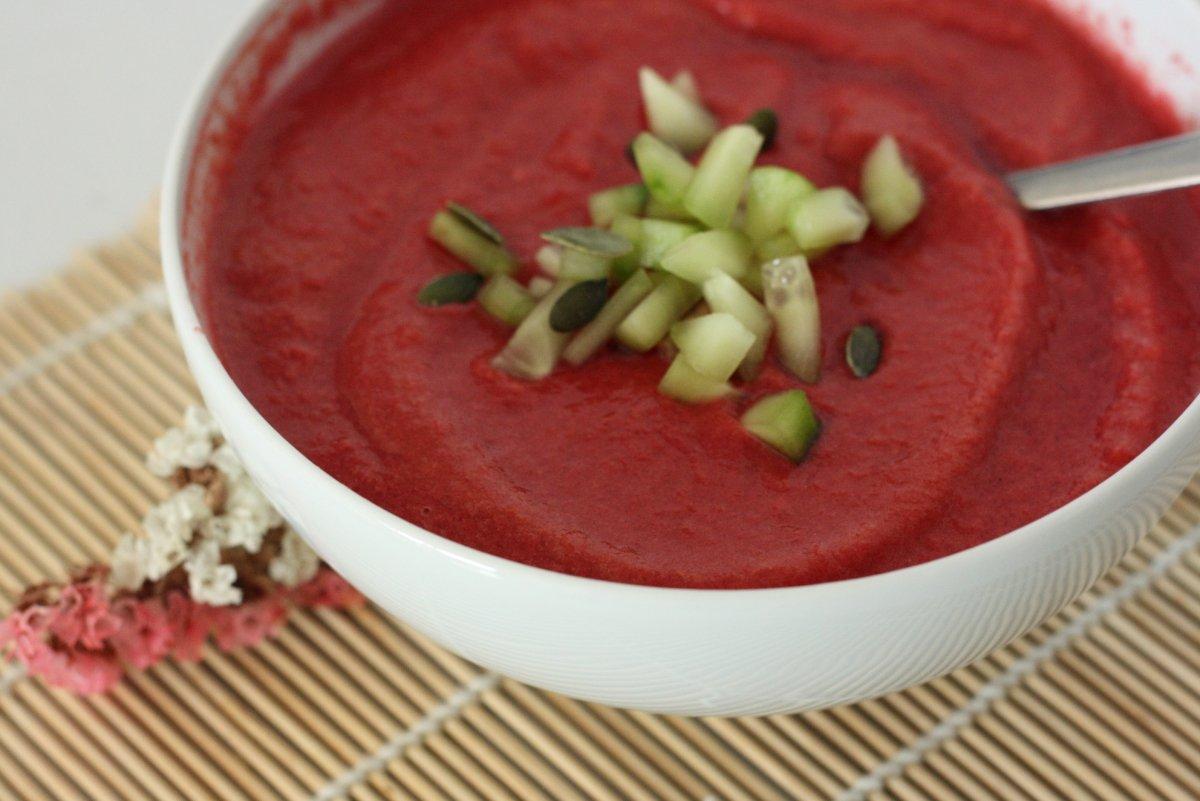 Gazpacho de remolacha con pepino