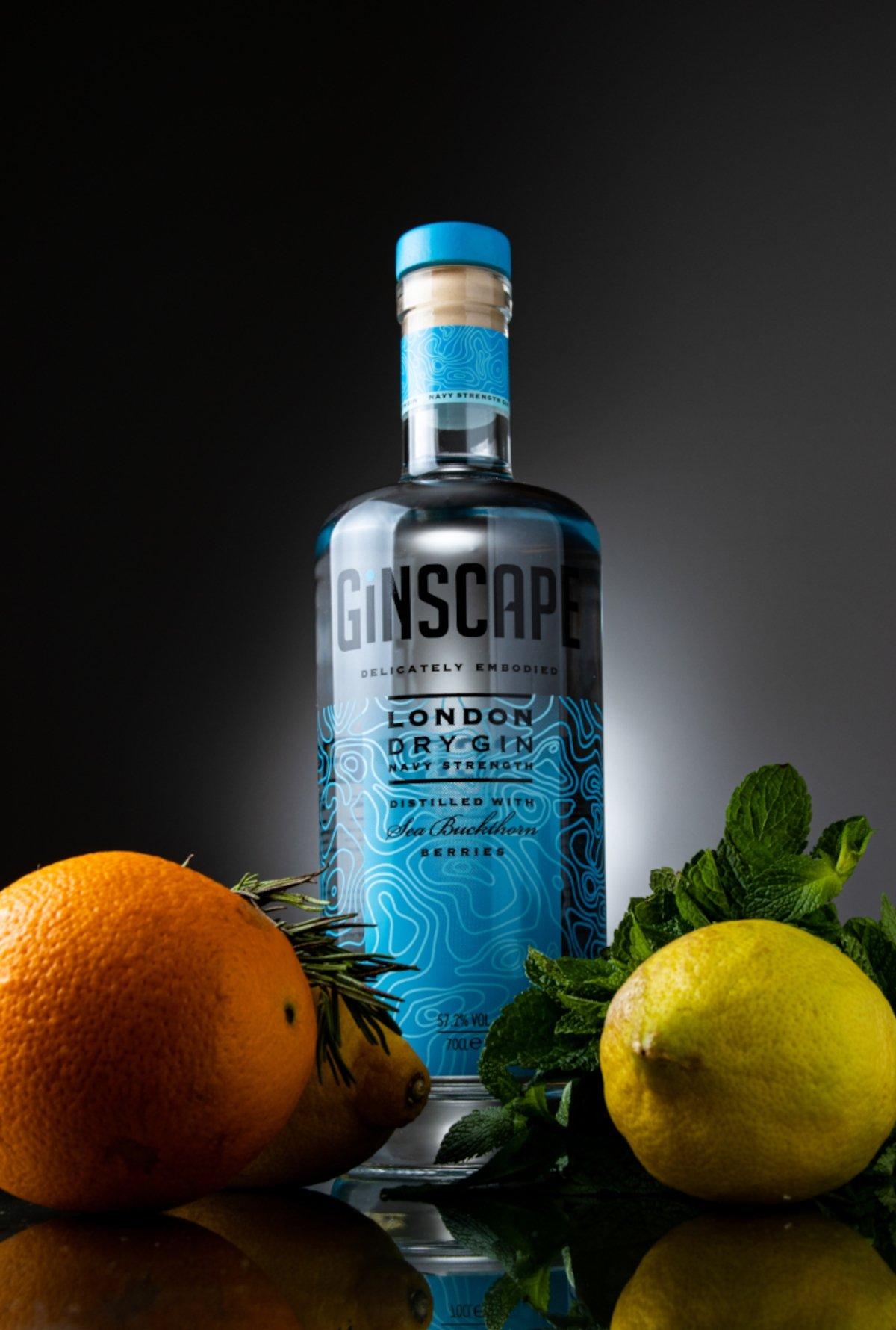 Ginscape Navy Strength, ginebra ganadora del trofeo