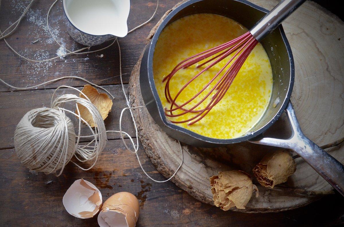 Haciendo crema pastelera