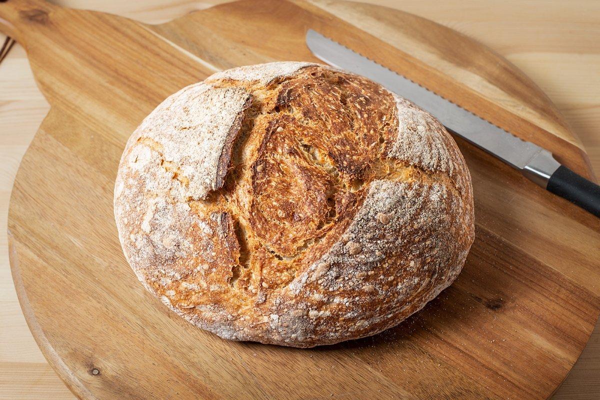 Hogaza de pan con masa madre