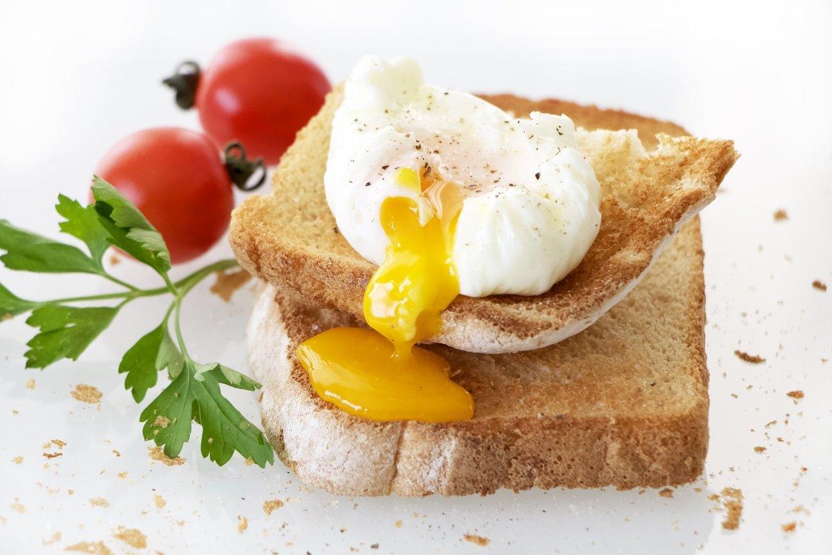 Huevos poché o escalfados