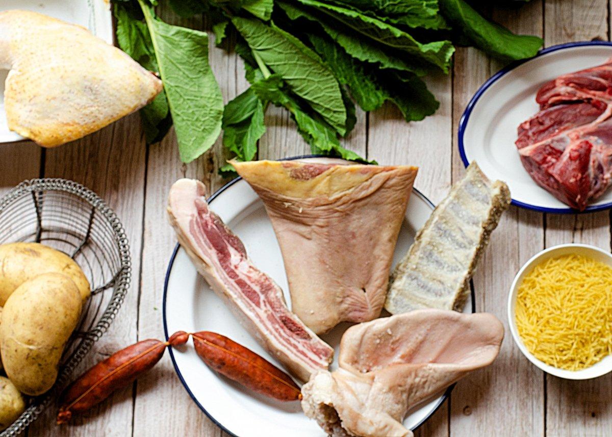 Imagen de los ingredientes del cocido gallego