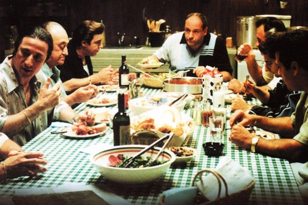 De Frodo a los Soprano: la cocina protagonista en series de TV y sagas literarias