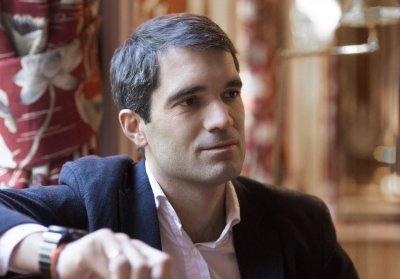 Iñaki Arrola, más allá de los negocios