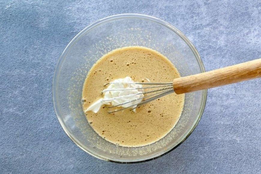 Incorporar el yogur griego a la mezcla