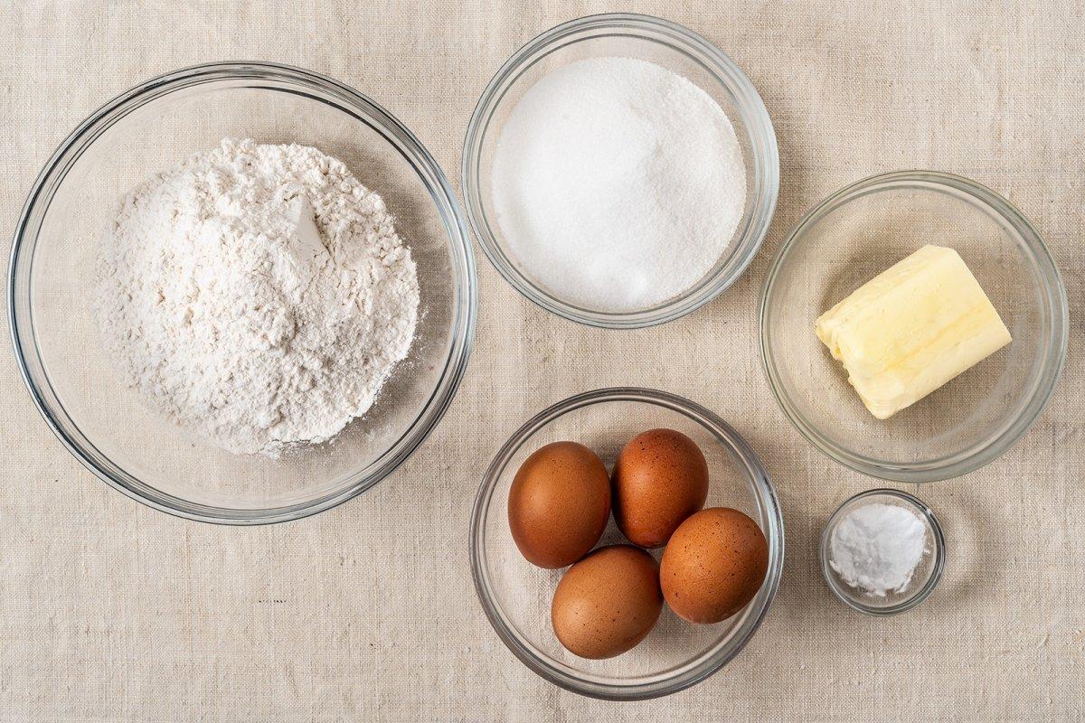 Ingredientes del bizcocho cuatro cuartos