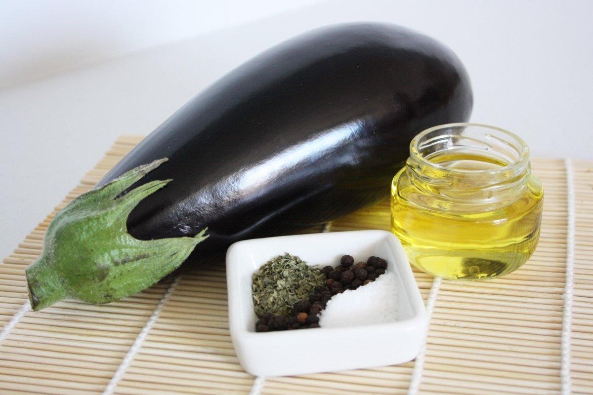 Ingredientes de la berenjena a la plancha