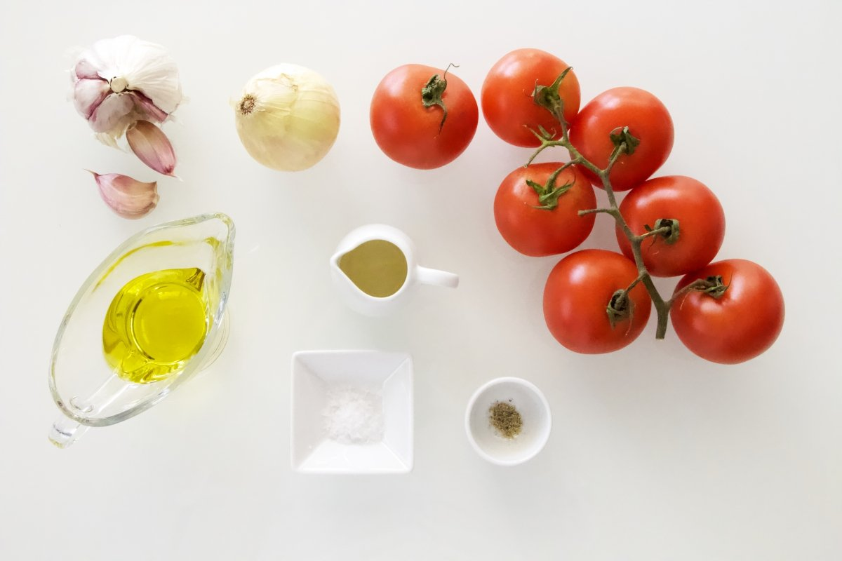 Ingredientes de la ensalada de tomate