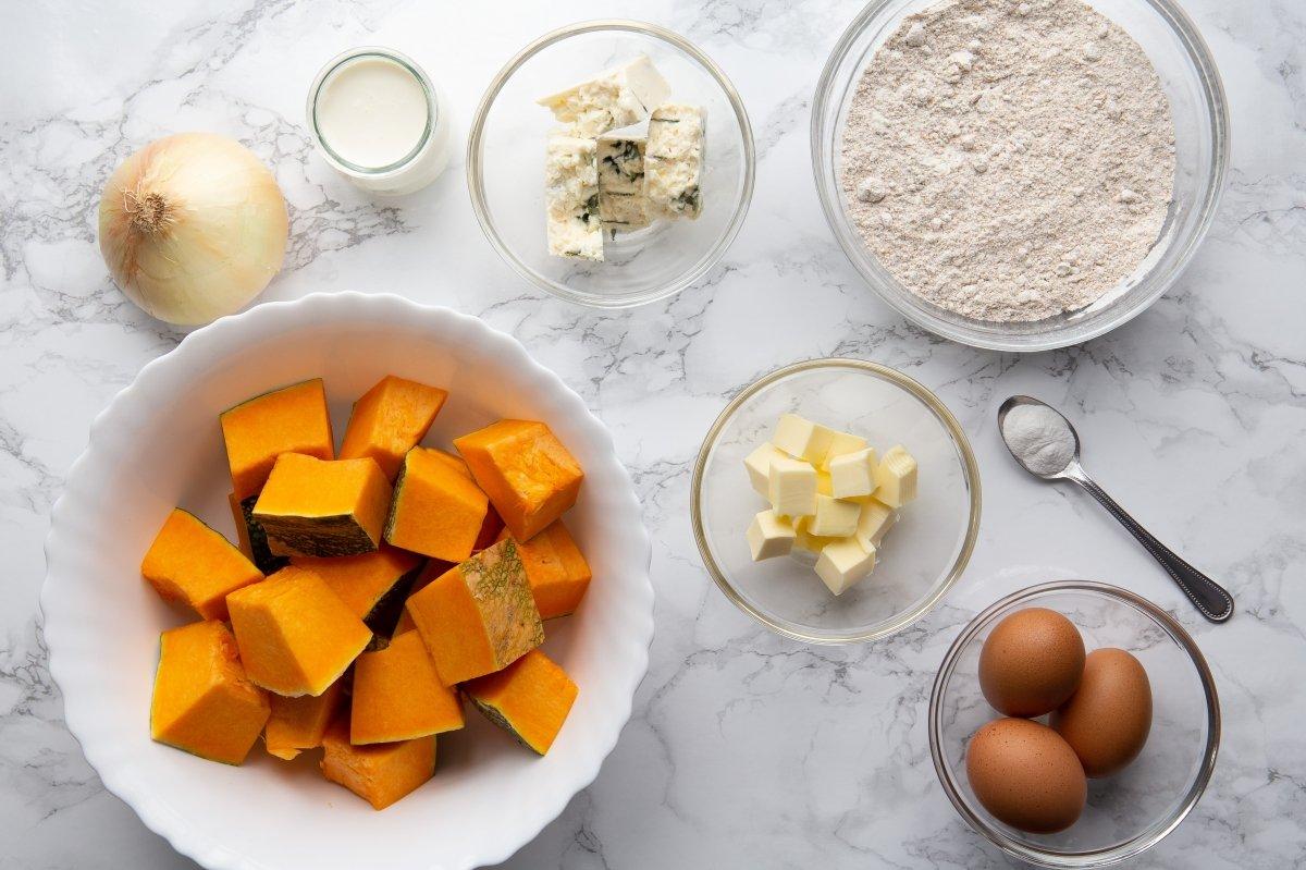 Ingredientes de la quiche de calabaza y queso azul