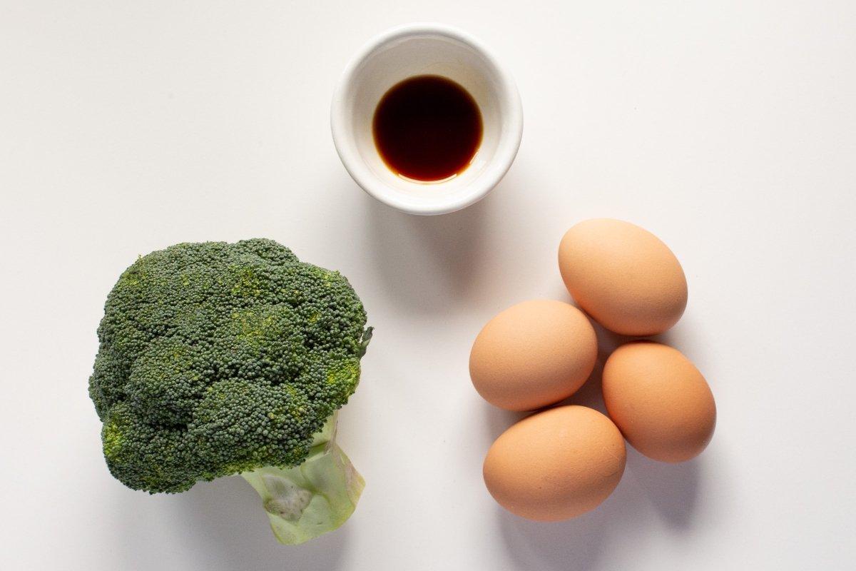Ingredientes de la tortilla de brócoli