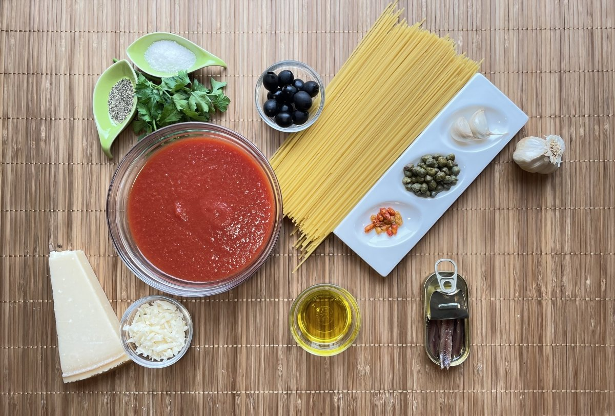 Ingredientes de los espaguetis a la putanesca