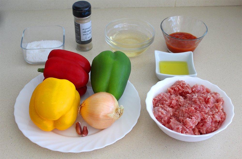Ingredientes de los pimientos rellenos de carne