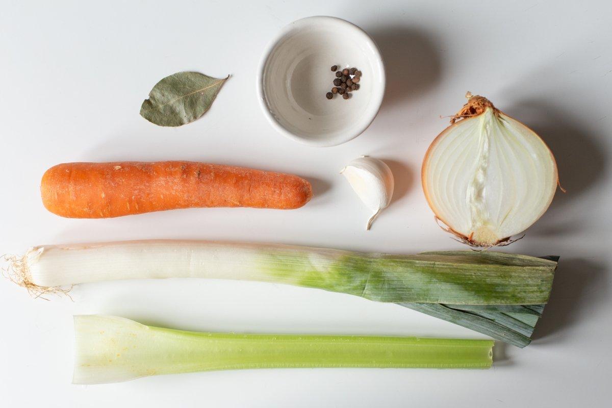 Ingredientes del caldo de verduras