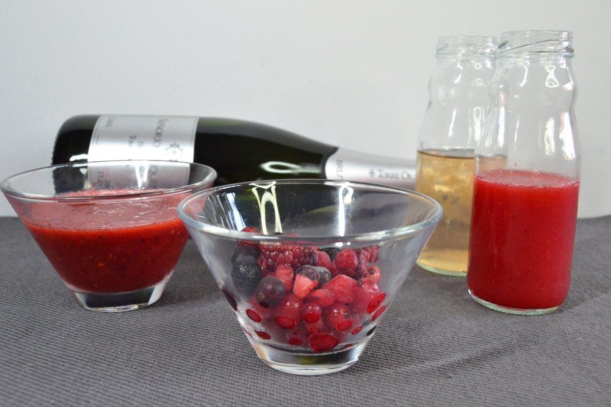 Ingredientes del cóctel mimosa de frambuesa *