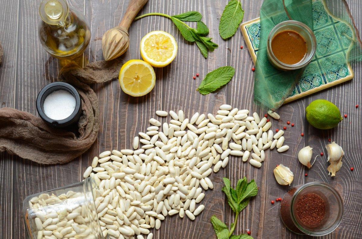 Ingredientes del humus de  alubias blancas