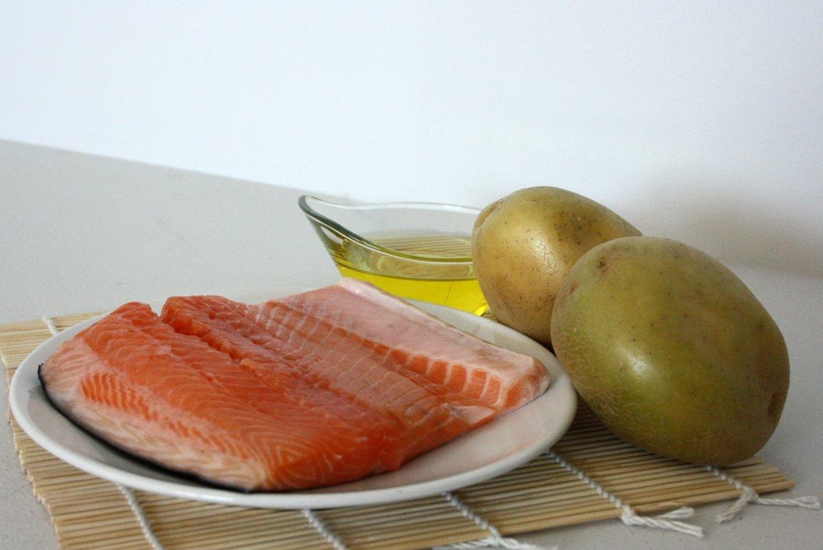 Ingredientes del salmón al horno con patatas
