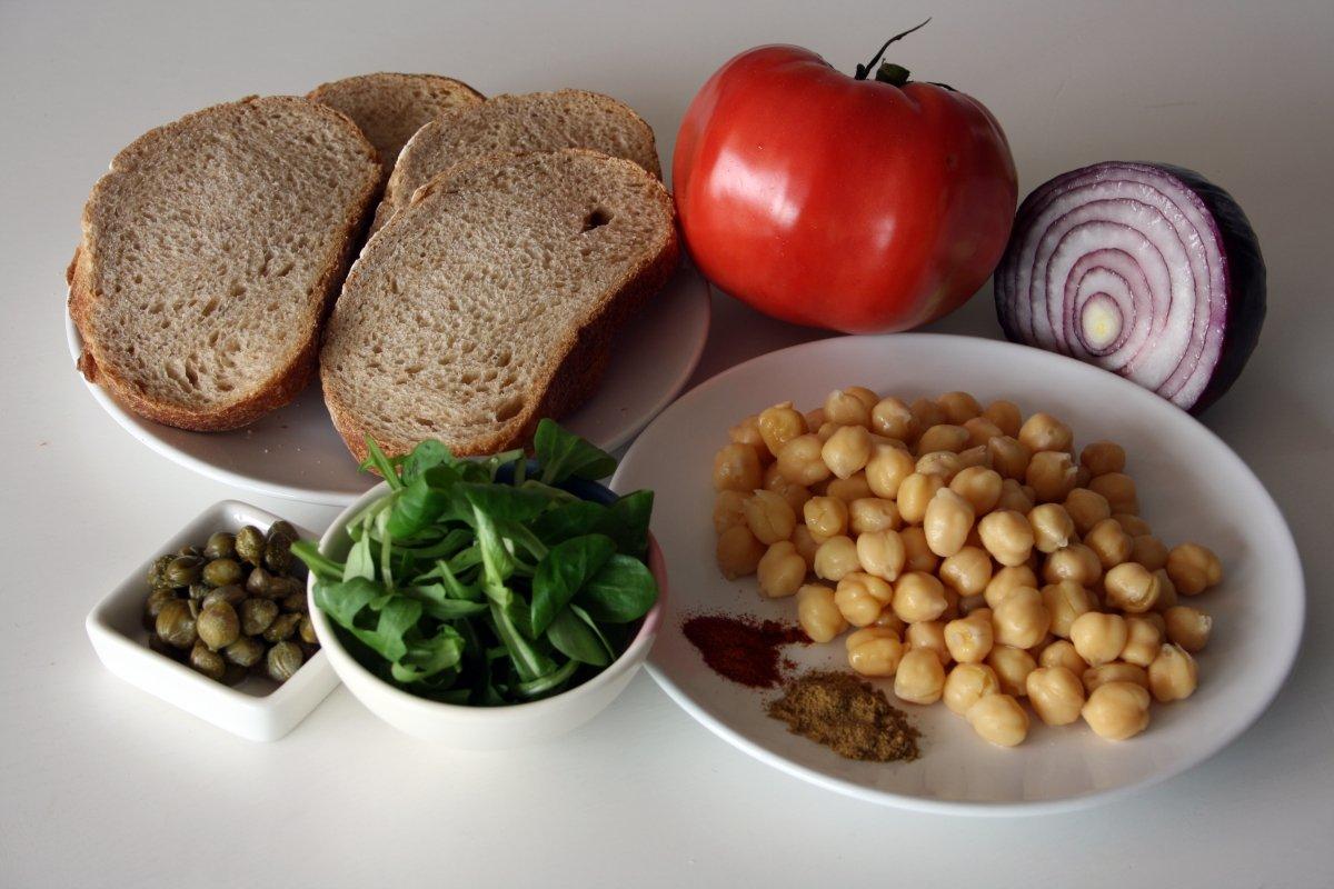 Ingredientes del sándwich vegetal