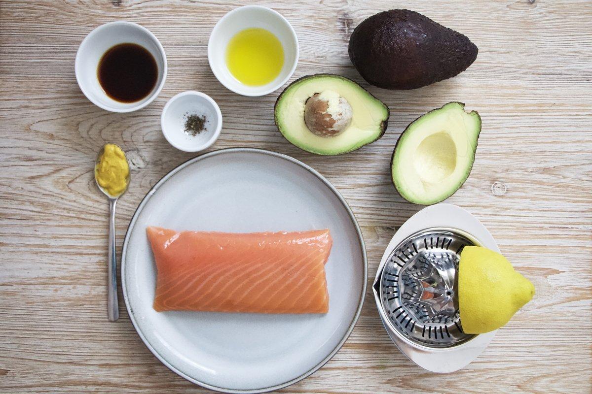 Ingredientes del tartar de atún marinado