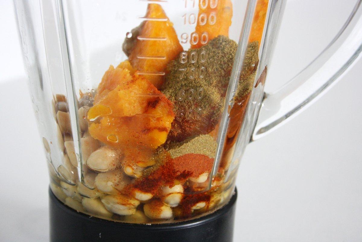 Ingredientes en el vaso batidor