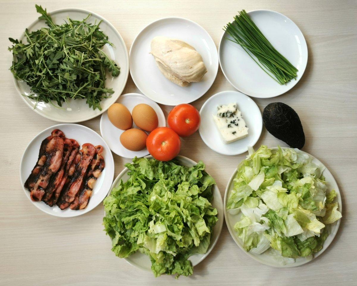Estos son los ingredientes de la ensalada Cobb.