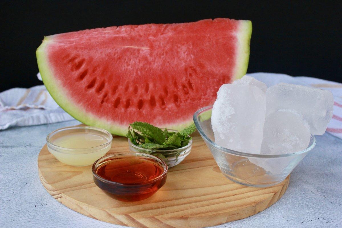 Ingredientes necesarios para hacer un granizado de sandía y menta