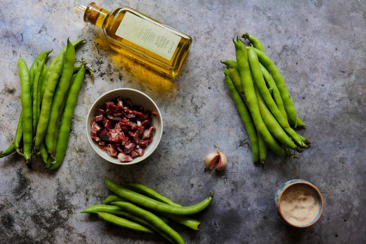Ingredientes para cocinar Habas con Jamón