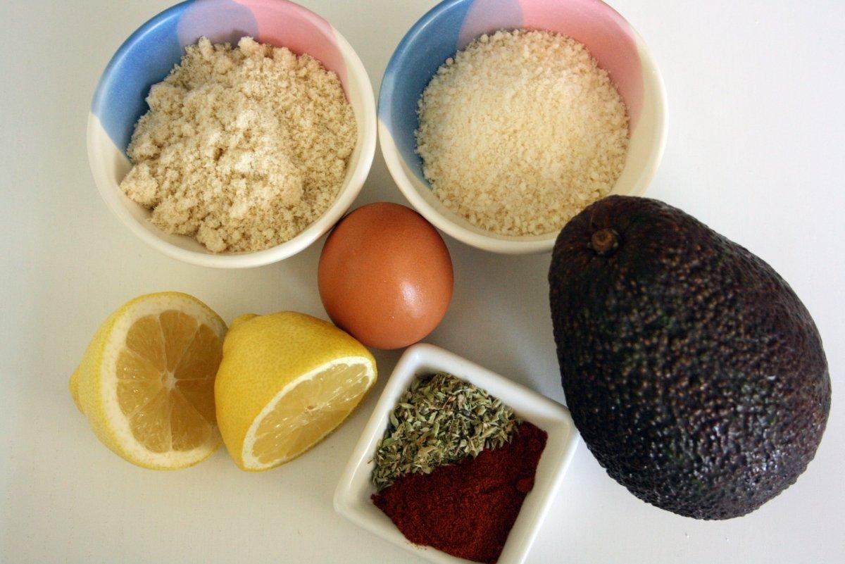 Ingredientes para el aguacate crujiente al horno