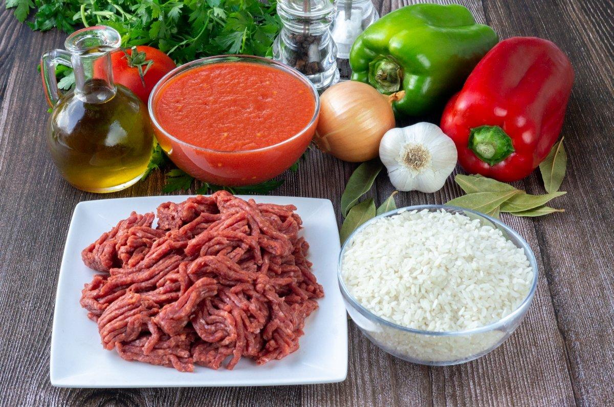 Ingredientes para el arroz con carne picada