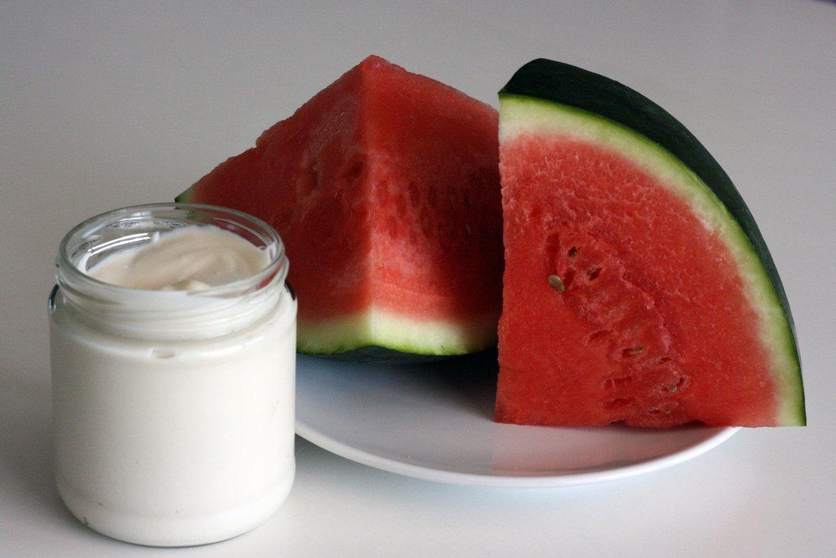 Ingredientes para el helado de sandía y yogur