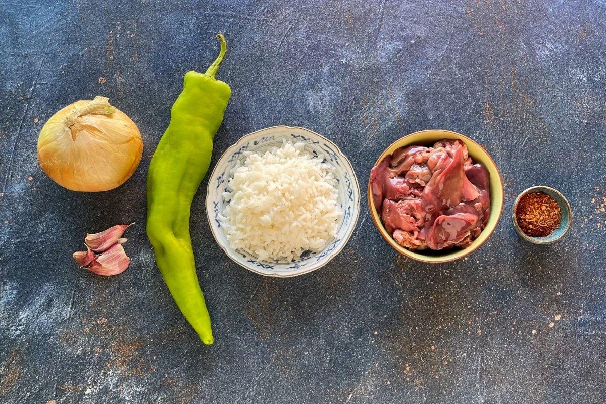 Ingredientes para elaborar arroz sucio
