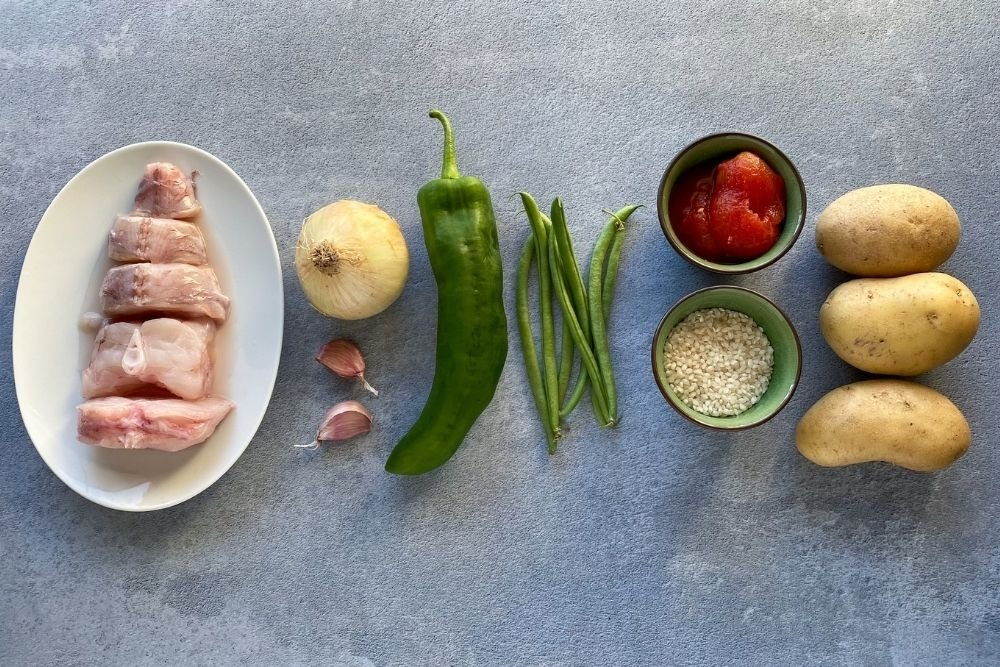 Ingredientes para elaborar bullit de peix