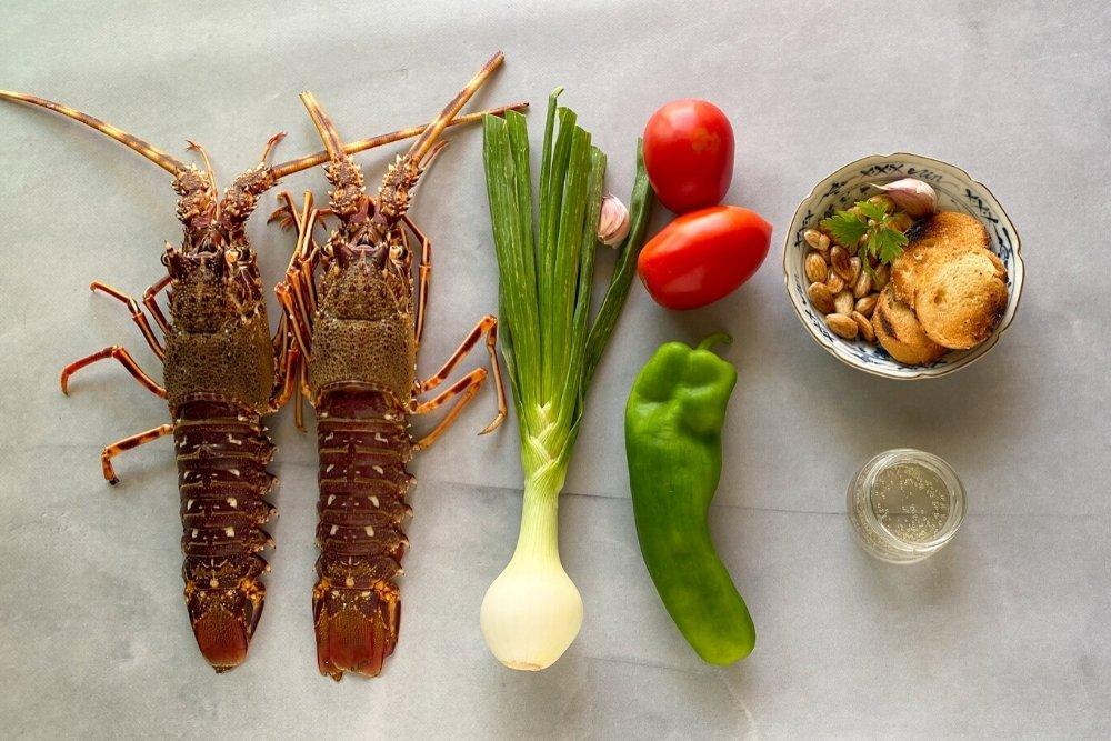 Ingredientes para elaborar caldereta de langosta menorquina