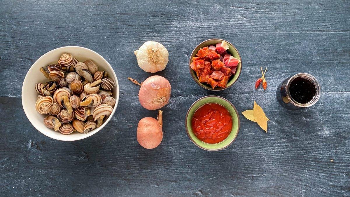 Ingredientes para elaborar caracoles a la madrileña