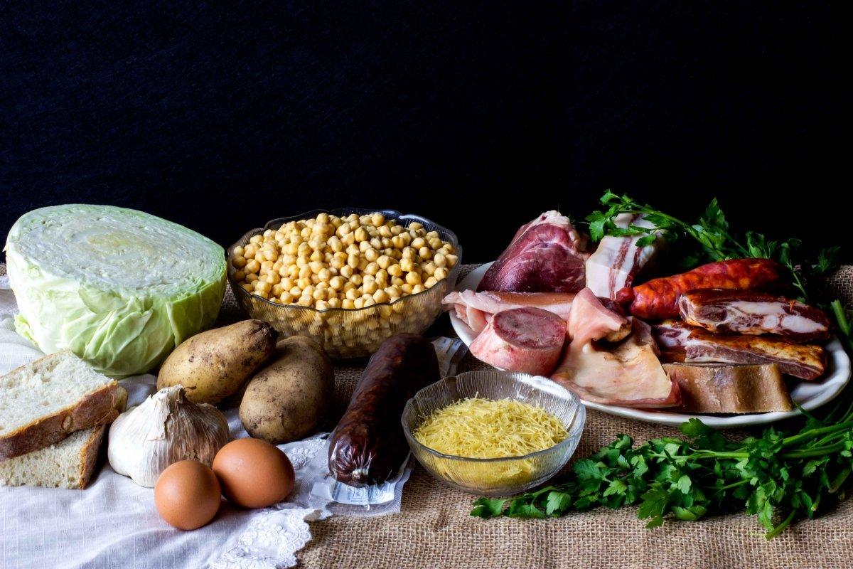 Ingredientes para elaborar el cocido lebaniego