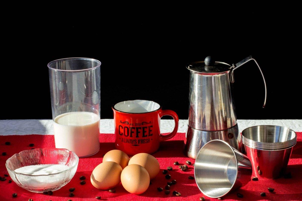 Ingredientes para elaborar el flan de café