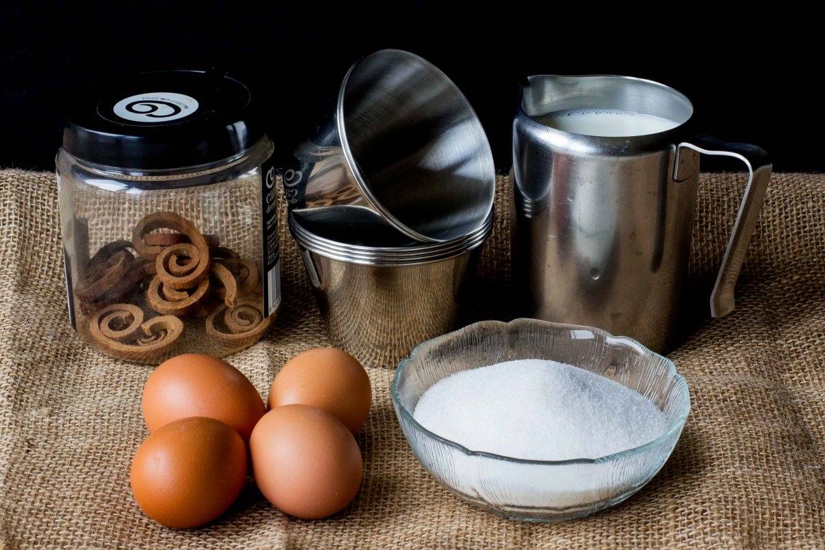 Ingredientes para elaborar el flan de canela