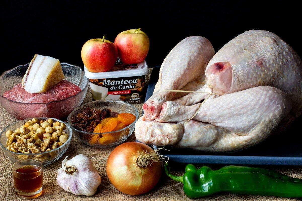 Ingredientes para elaborar el pavo de navidad