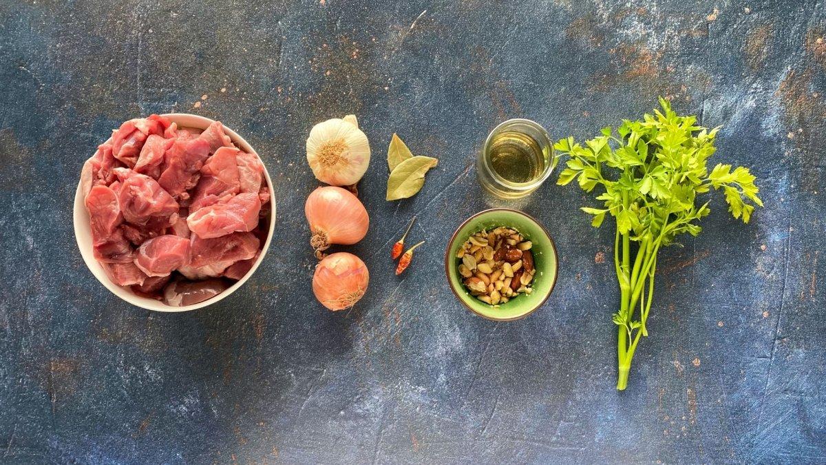 Ingredientes para elaborar frite extremeño de cordero