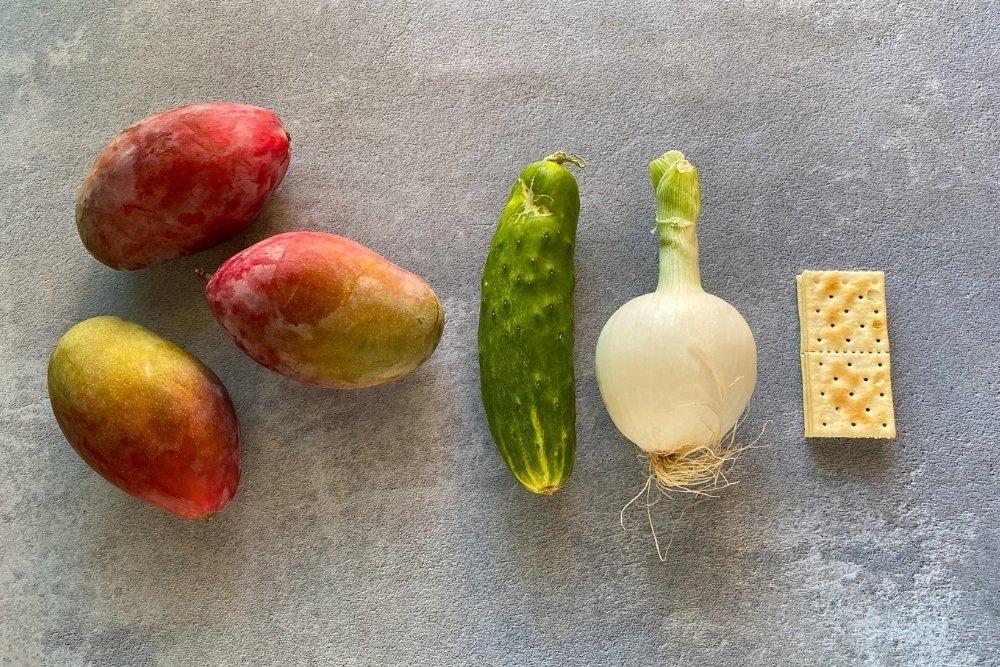 Ingredientes para elaborar gazpacho de mango
