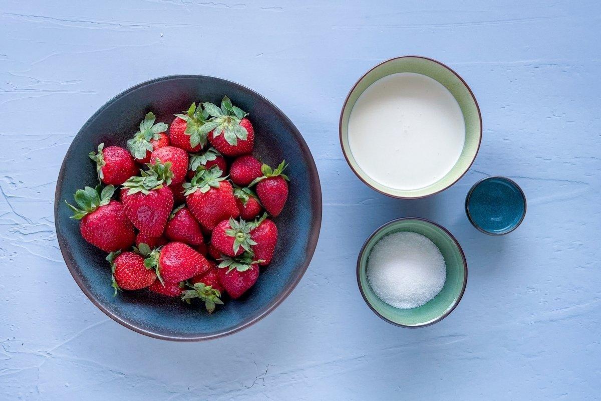 Ingredientes para elaborar helado de fresas