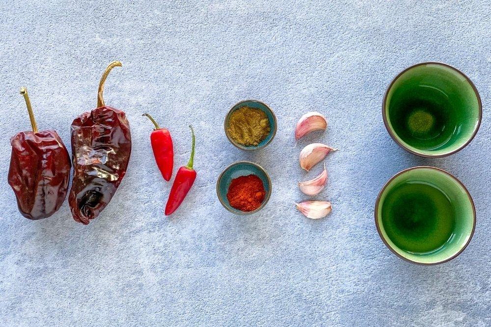 Ingredientes para elaborar mojo picón