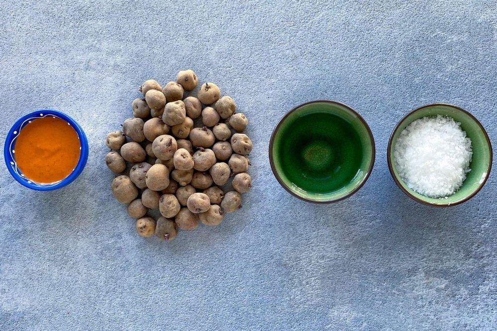 Ingredientes para elaborar papas arrugadas con mojo picón