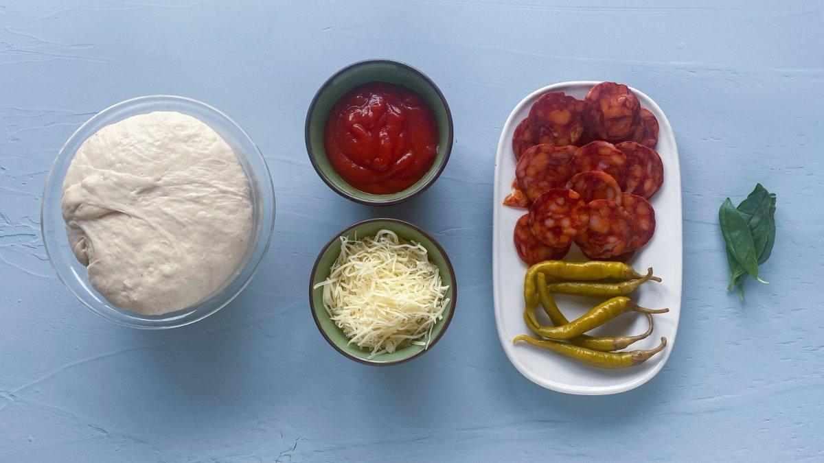 Ingredientes para elaborar pizza diavola