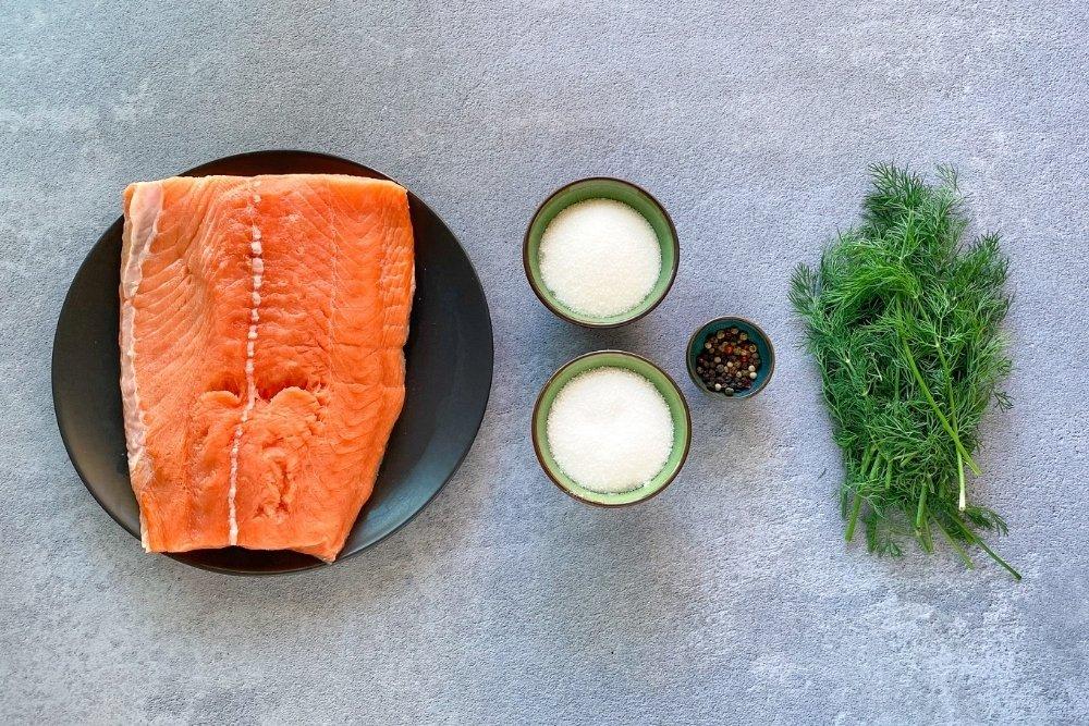 Ingredientes para elaborar salmón marinado