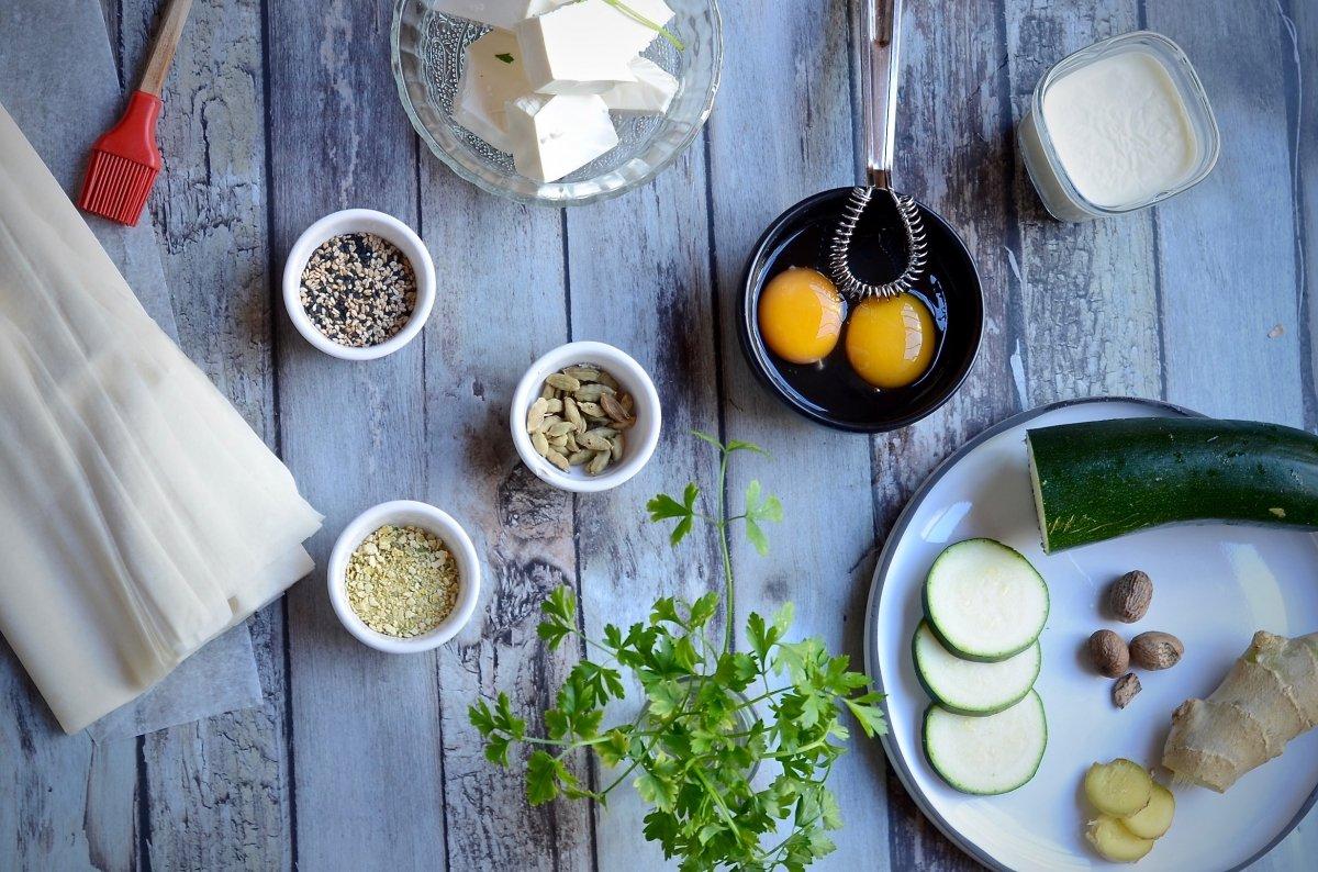 Ingredientes para hacer borek de calabacín