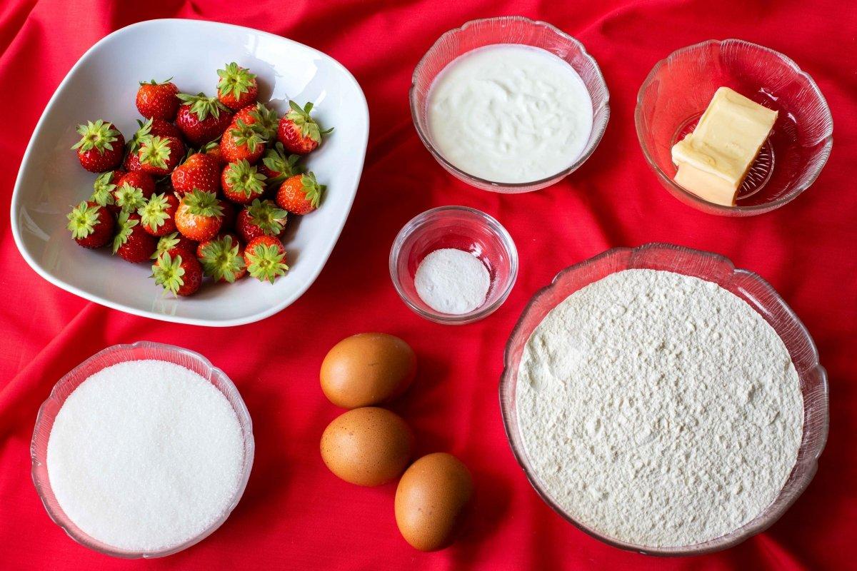 Ingredientes para hacer el bizcocho de fresa