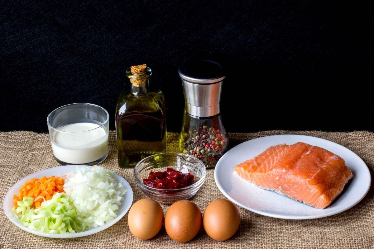 Ingredientes para hacer el pastel de salmón